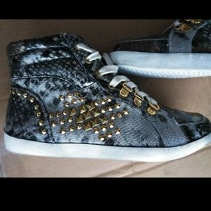 Shoes - NWOB Python/Snake Sneakers Size 8/8.5